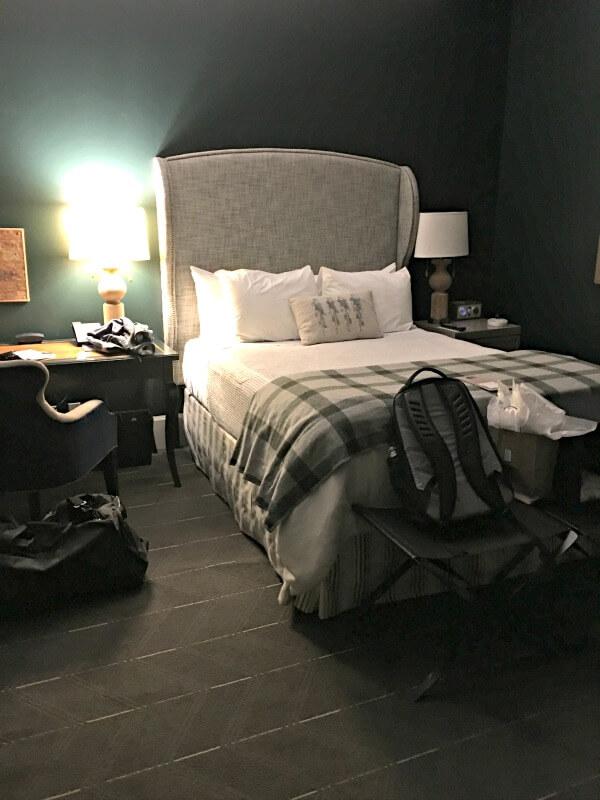 sentinel hotel portland bedroom