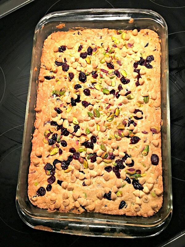 cranberry pistachio white chocolate blondies