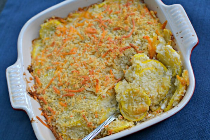 cheesy summer squash casserole