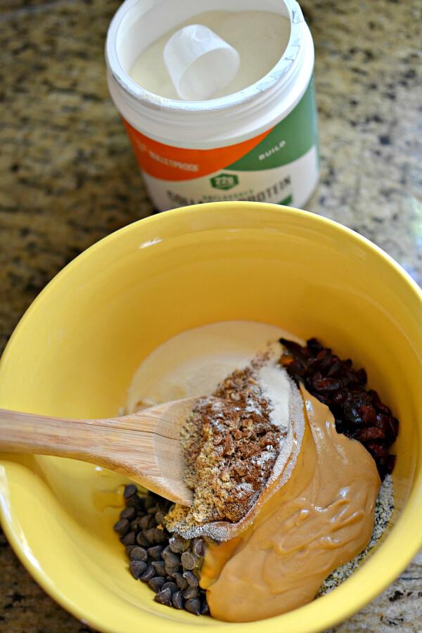 No-Bake Collagen Peanut Butter Energy Bites