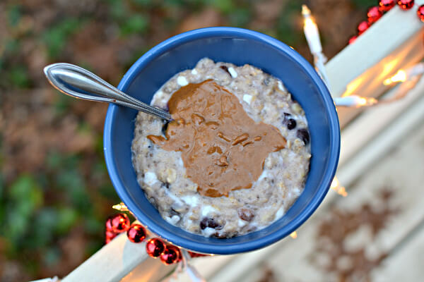blueberry banana oatmeal with cottage cheese and peanut butter