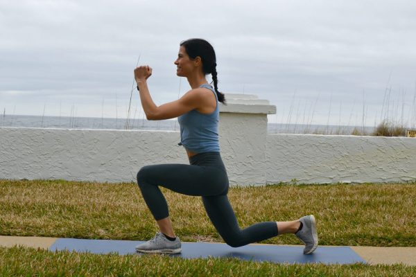 Lunge with knee drive