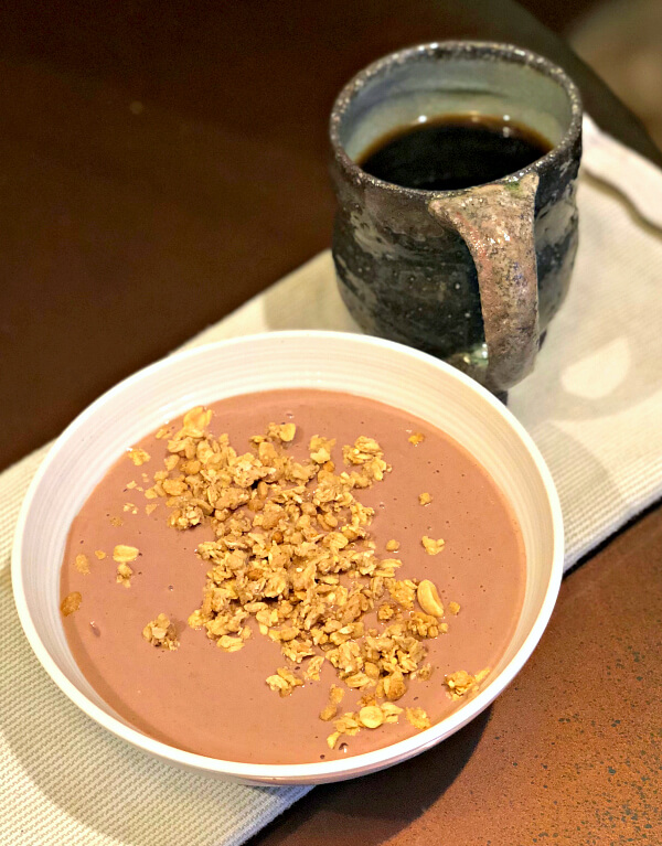 smoothie bowl and coffee