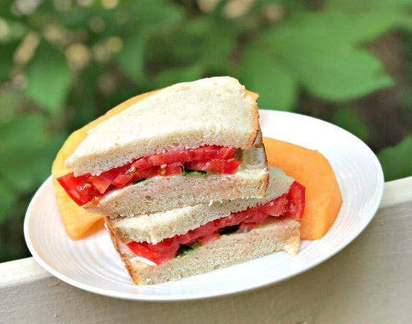 tomato sandwich on sourdough