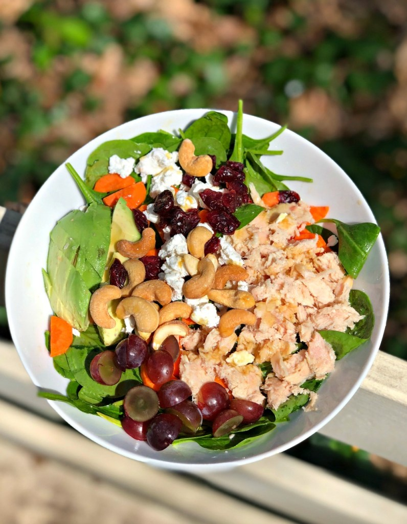 spinach salad with blue harbor salmon
