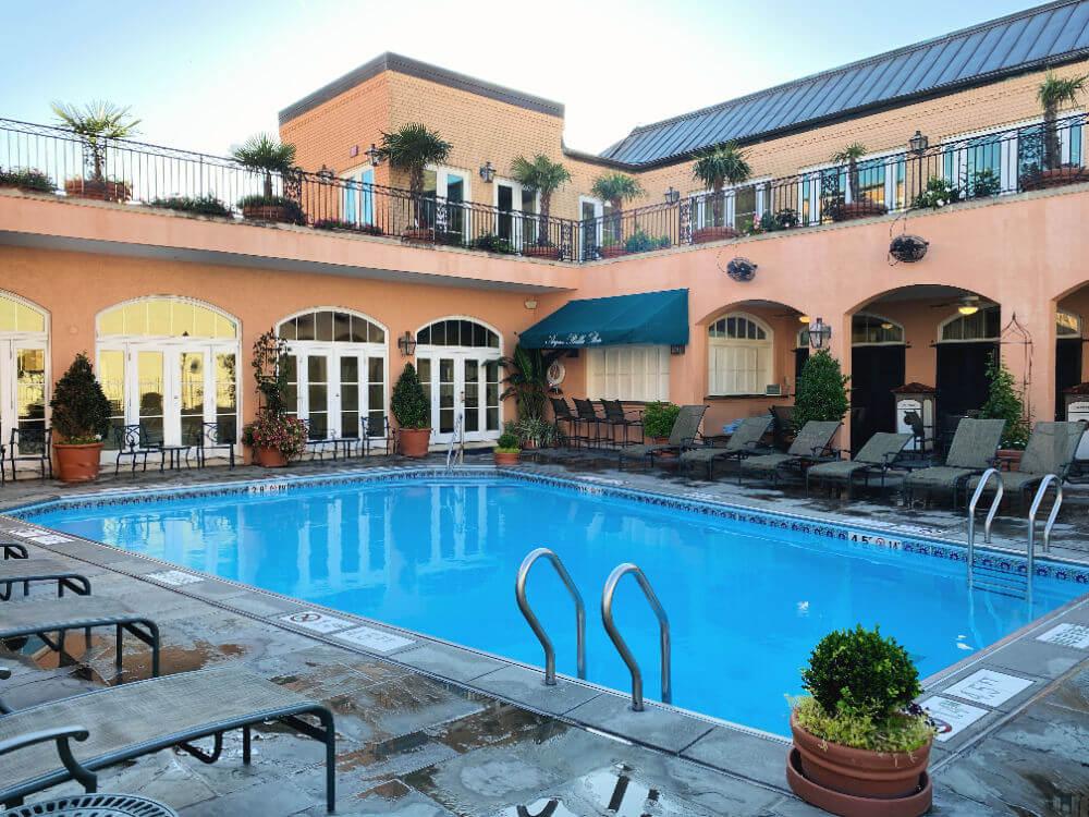 hotel Monteleone rooftop pool