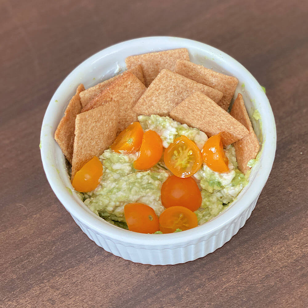 mashed avocado and cottage cheese snack
