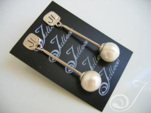 Faye Pearl Earrings