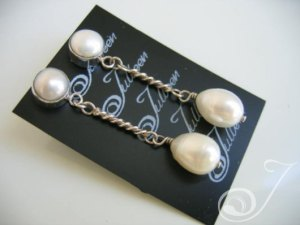 Lily White Earrings