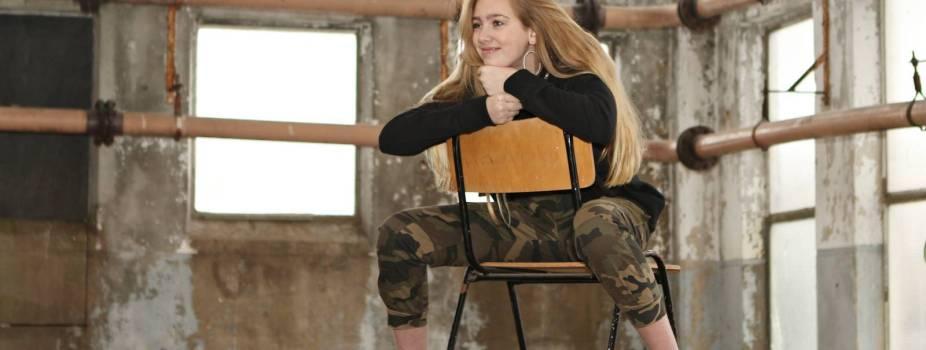 Birgit in het OKO-pand