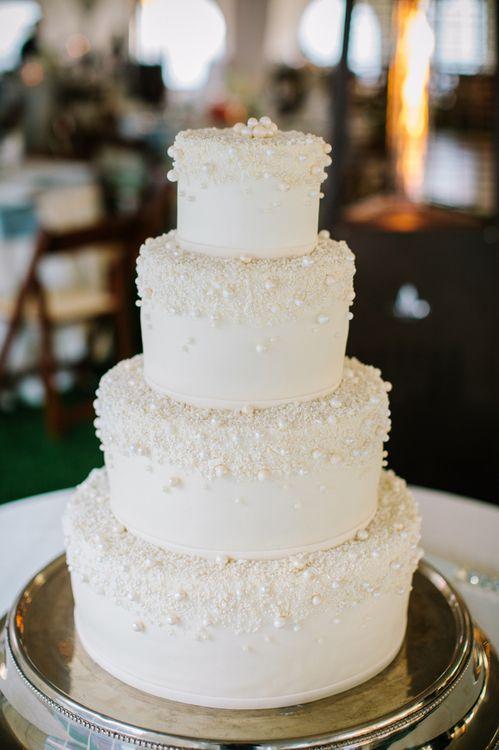 pearl wedding cake