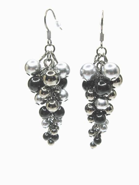 sophisticated black pearl earrings