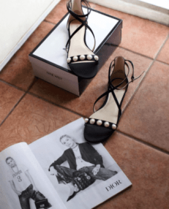 summer sandals with pearls