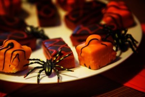 halloween party treets