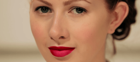 How to create the perfect red lip - YouTube2