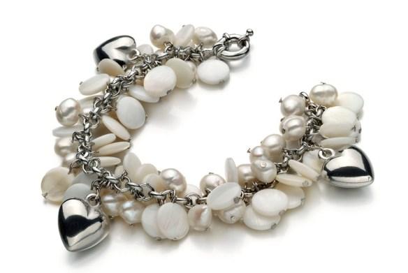 charm pearl bracelet