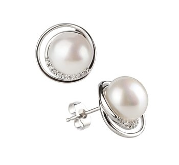 How to Wear Pearl Stud Earrings on All Occasions