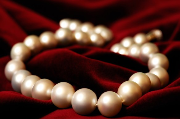 large south sea pearl necklace