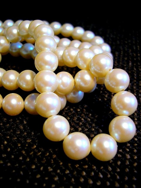 white pearl necklace closeup