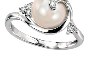 d9dae2ed7 How To Go About Buying The Right White Pearl Rings - PearlsOnly