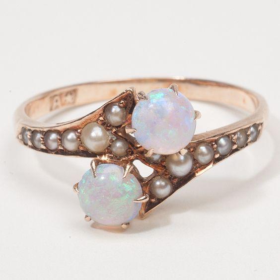 Ehering mit Perlen und Diamanten