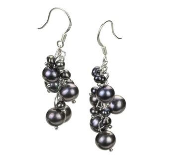pair of pearl drop earrings in black