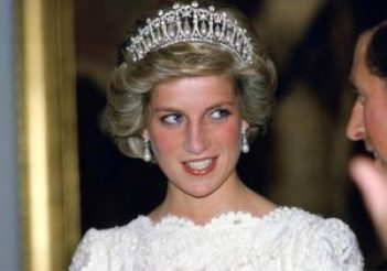 princess diana vintage pearl earrings