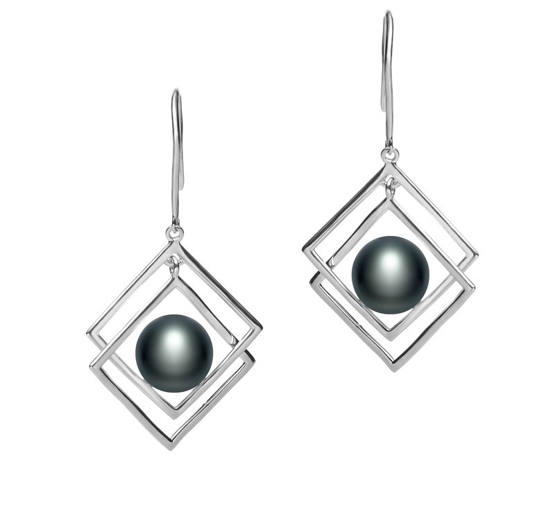 70b601cef How to Rock a Pair of Pearl Earrings with Diamonds - PearlsOnly