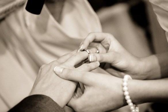 wedding guests wear pearls