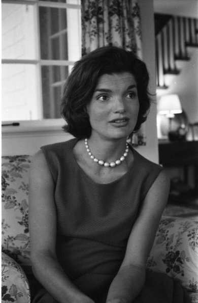 jackie kennedy pearl necklace