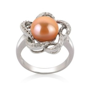engagement pearl ring