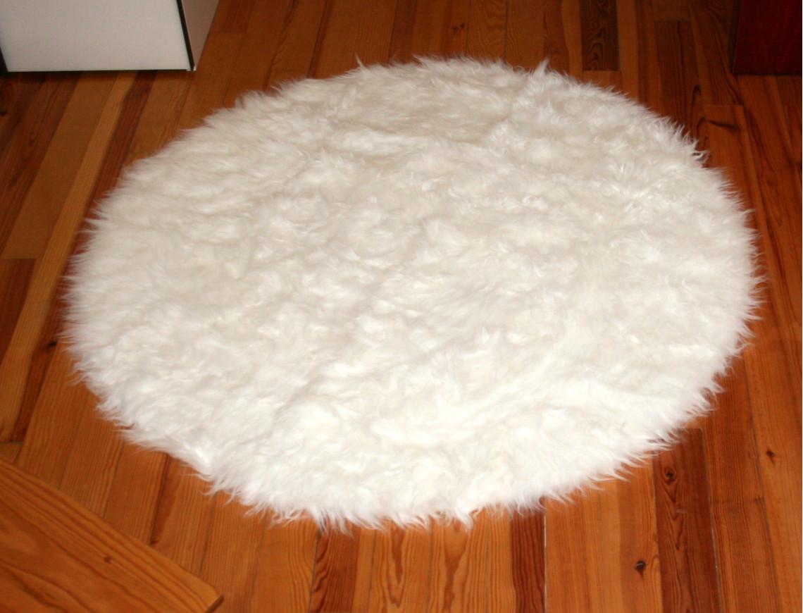 tapis rond fausse fourrure blanc peau de mouton synthetique