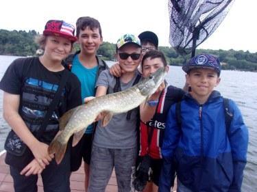 Stages colonies pêche pour adolescents
