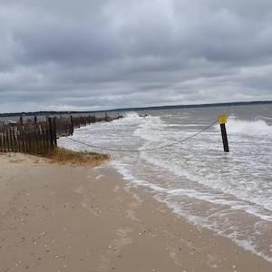 Oct. 30, 8:22 a.m., New Suffolk Beach