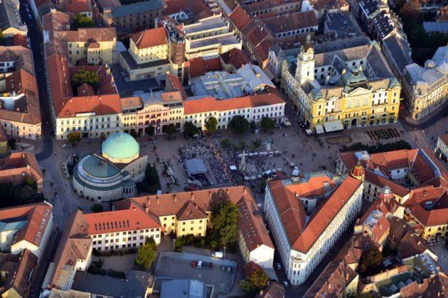 Trg Szechenyi iz zraka