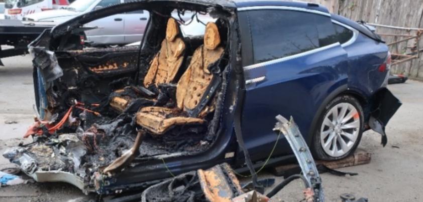 apple car crash munster