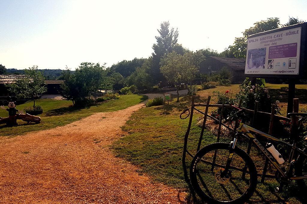Feštini bike tour
