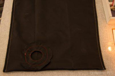 Assim ficará a bolsa costurada, vista do avesso.