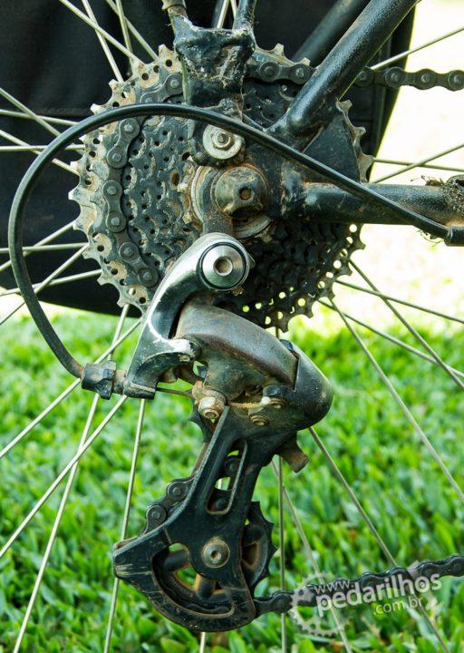 Detalhe do K7 e câmbio traseiro da bicicleta do André