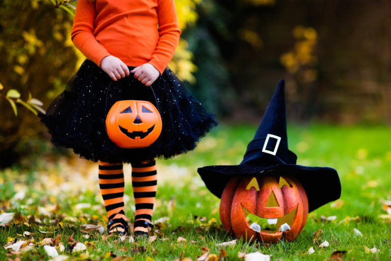 Julia layton as the weather turns cool, home decor turns downright spooky. Halloween Safety Tips For Kids Pediatric Associates Of Franklin