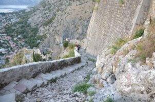 Muntenegru 1466 trepte
