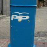 Buzon con sobres del PP