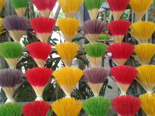 VIETNAM-Hoian incense
