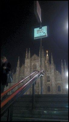 MILAN Salida del metro