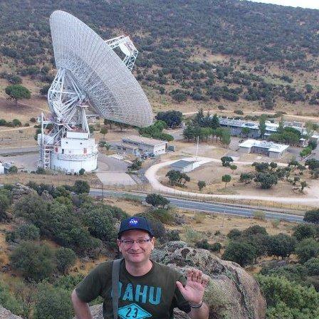 Pedro León en las antenas de la DSN en Robledo de Chavela