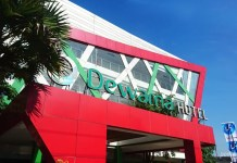 Peek Holidays – Dewarna Hotel and Convention