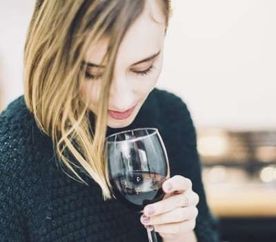 4 Reasons Why Moms Use Wine To Relax