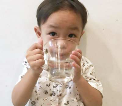 5 Ways To Encourage Kids To Drink More Water