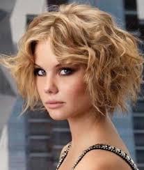 kısa sarı saç mezuniyet saç modeli