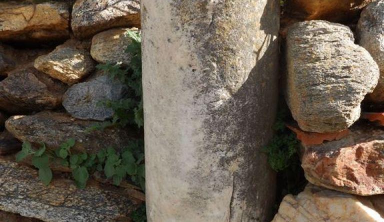 Мермерен столб од селото